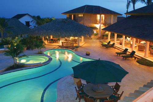 casa-pool.jpg