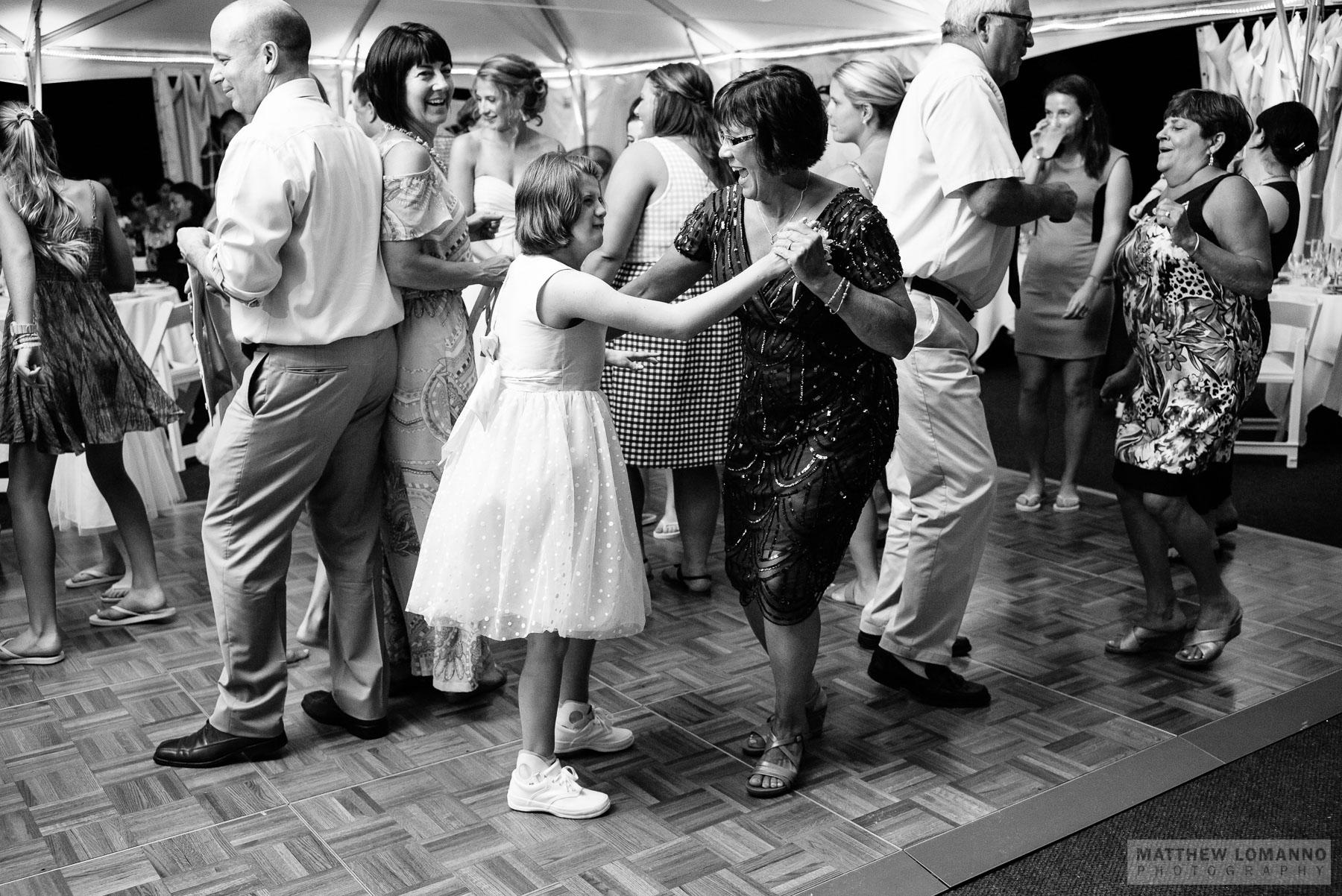 Madeline&Gerin_reception_by_Lomanno_0096_web.jpg
