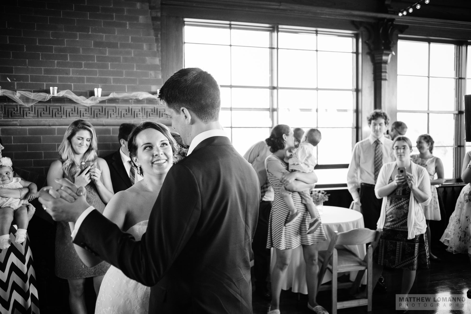 Kathryn&Sam_reception_by_Lomanno_0038_web.jpg