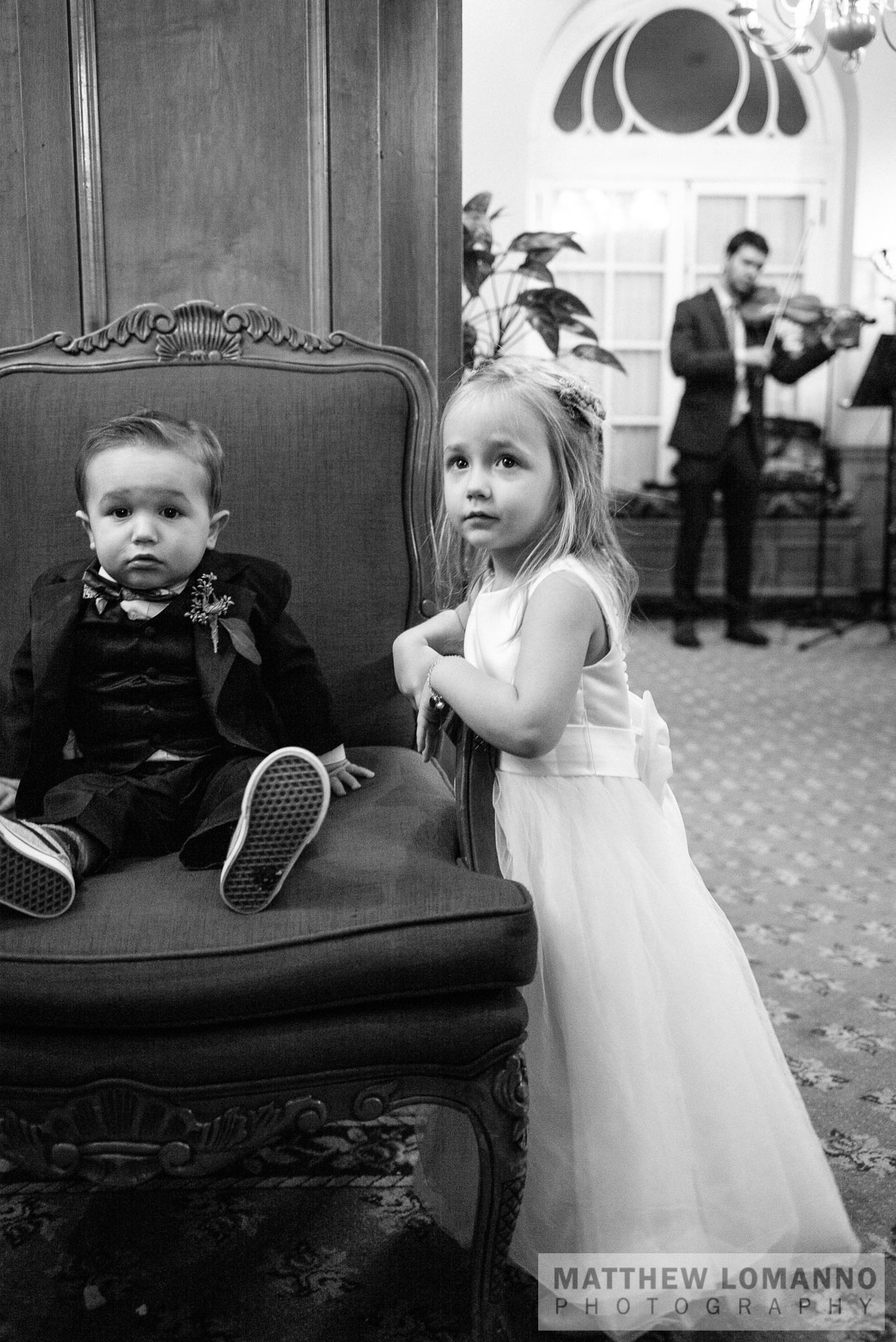 Sarah&Ryan_reception_by_Lomanno_0021_web.jpg