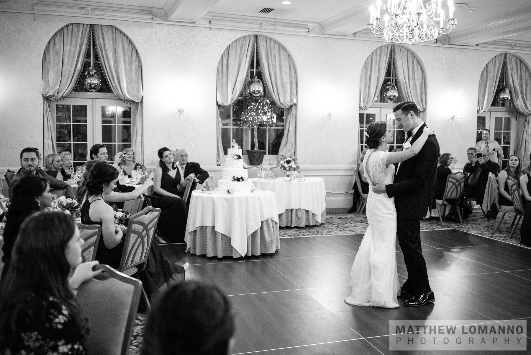 Sarah&Ryan_reception_by_Lomanno_0032_web.jpg