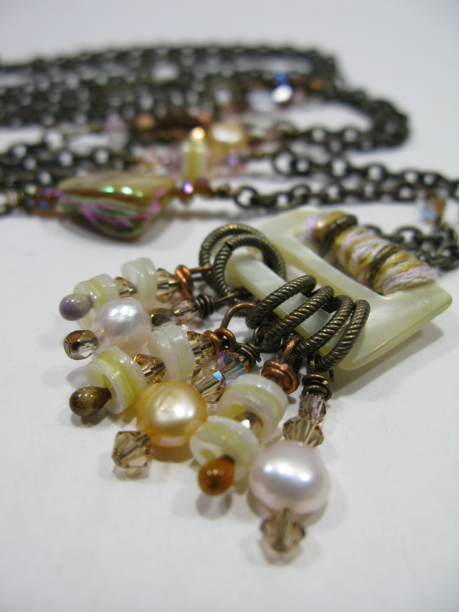 long pearl necklace 5.jpg
