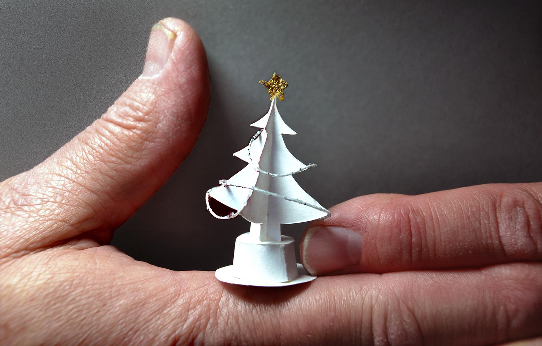 ROSEANNE'S CHRISTMAS TREE