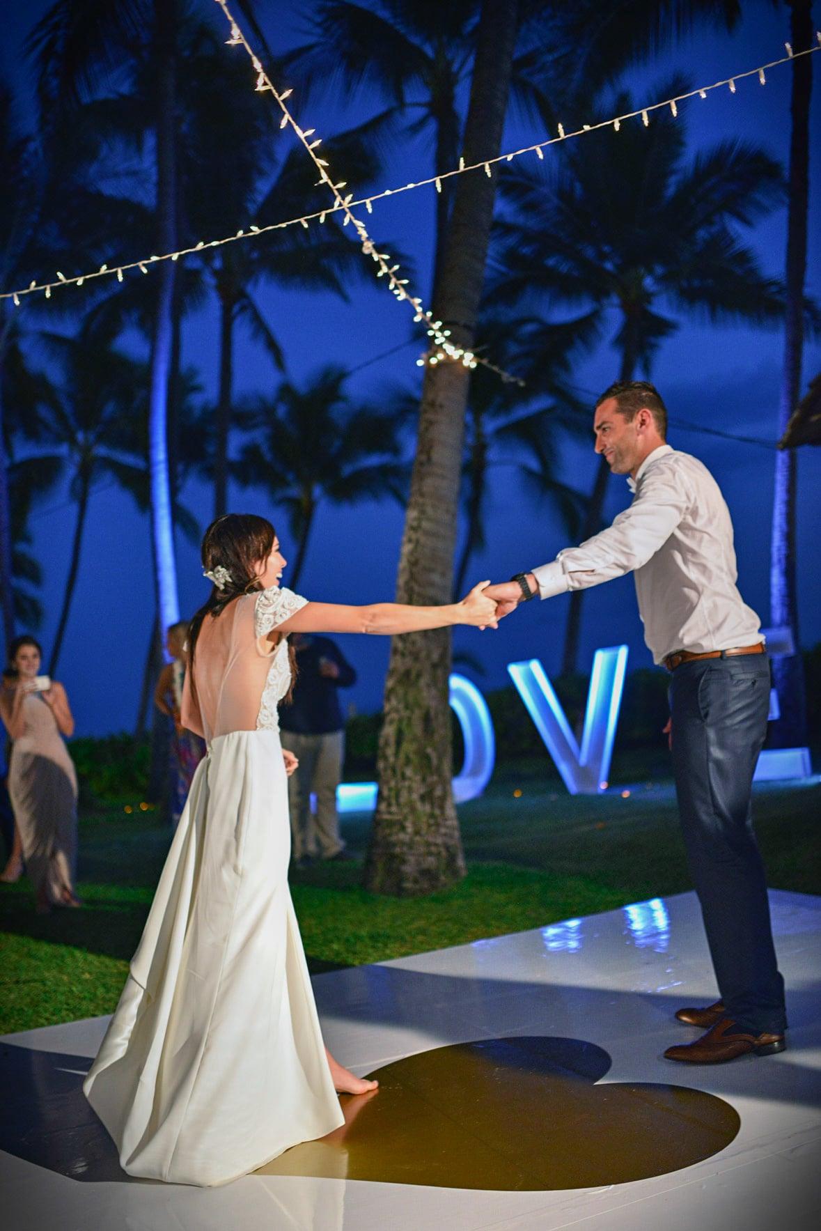 lanikuhonua beach wedding oahu hawaii stephen ludwig022.jpg