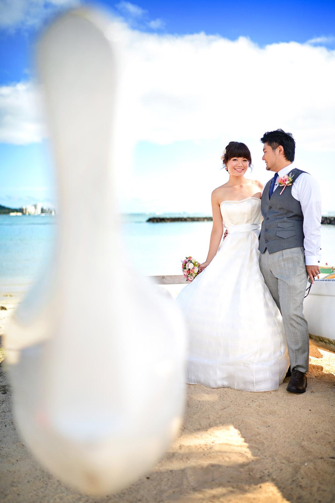 waikiki-beach-wedding-and-downtown-honolulu-hawaii-theater-stephen-ludwig-photography003.jpg