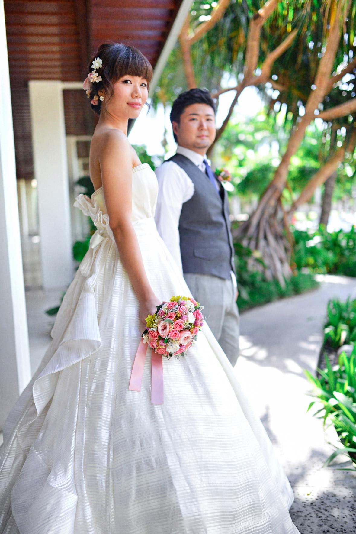 waikiki-beach-wedding-and-downtown-honolulu-hawaii-theater-stephen-ludwig-photography002.jpg