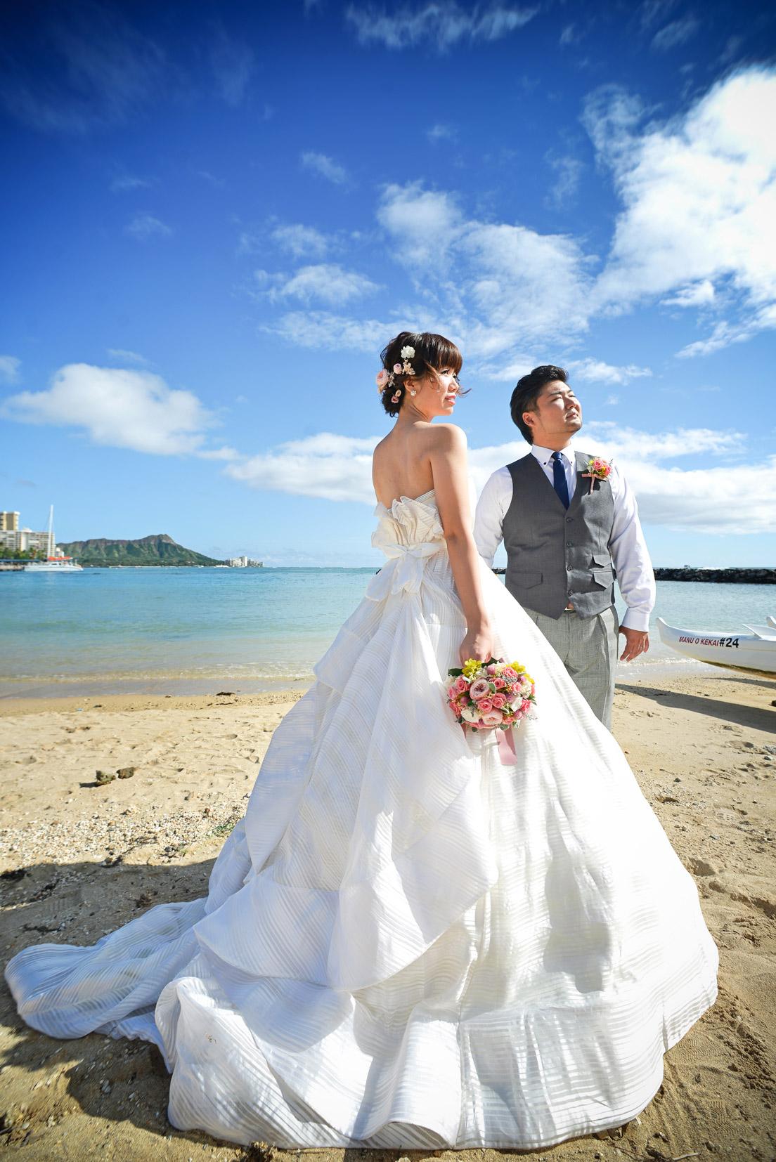 waikiki-beach-wedding-and-downtown-honolulu-hawaii-theater-stephen-ludwig-photography008.jpg