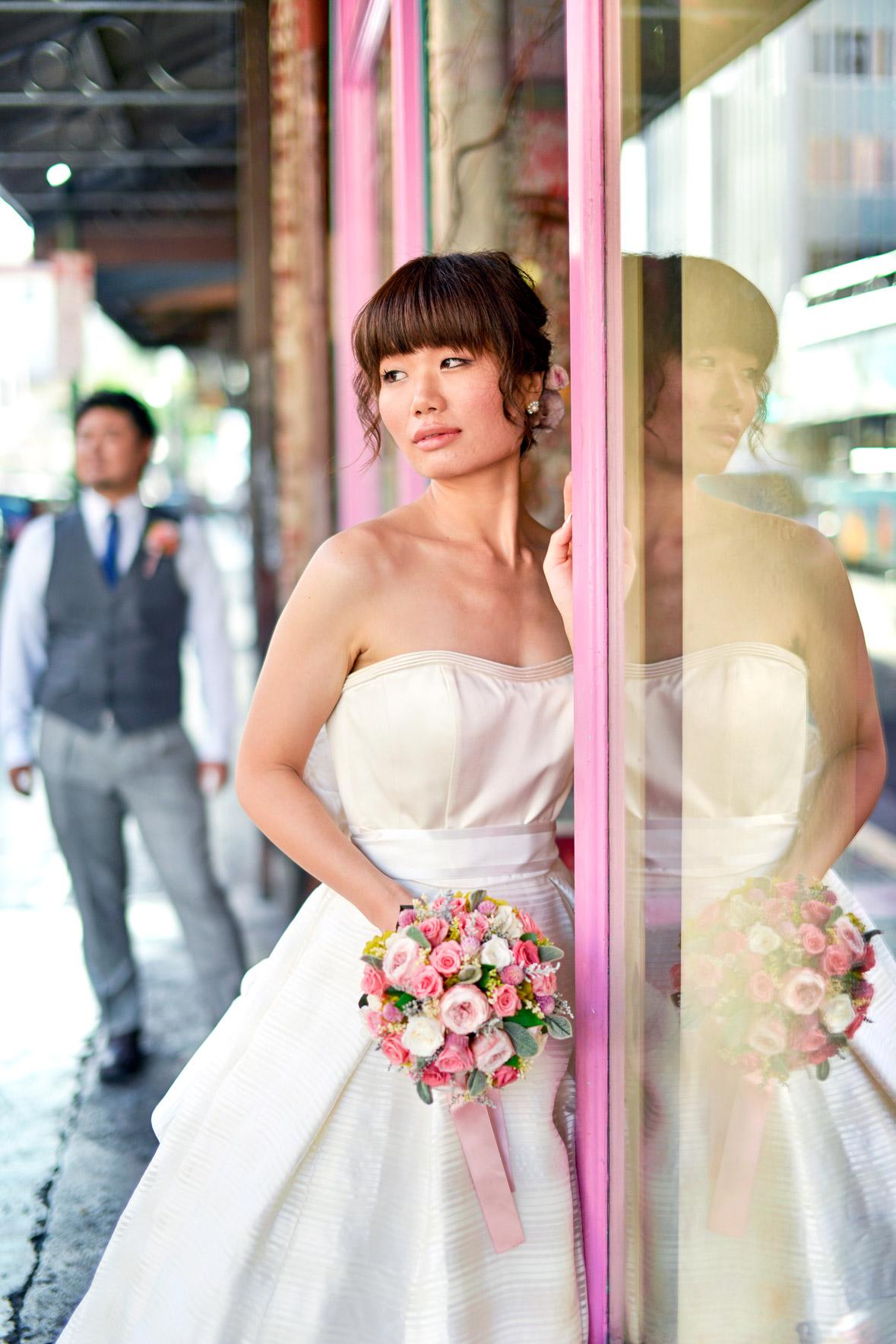 waikiki-beach-wedding-and-downtown-honolulu-hawaii-theater-stephen-ludwig-photography033.jpg