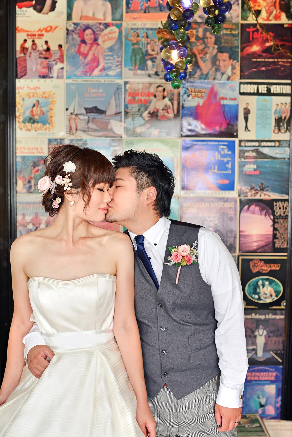 waikiki-beach-wedding-and-downtown-honolulu-hawaii-theater-stephen-ludwig-photography039.jpg