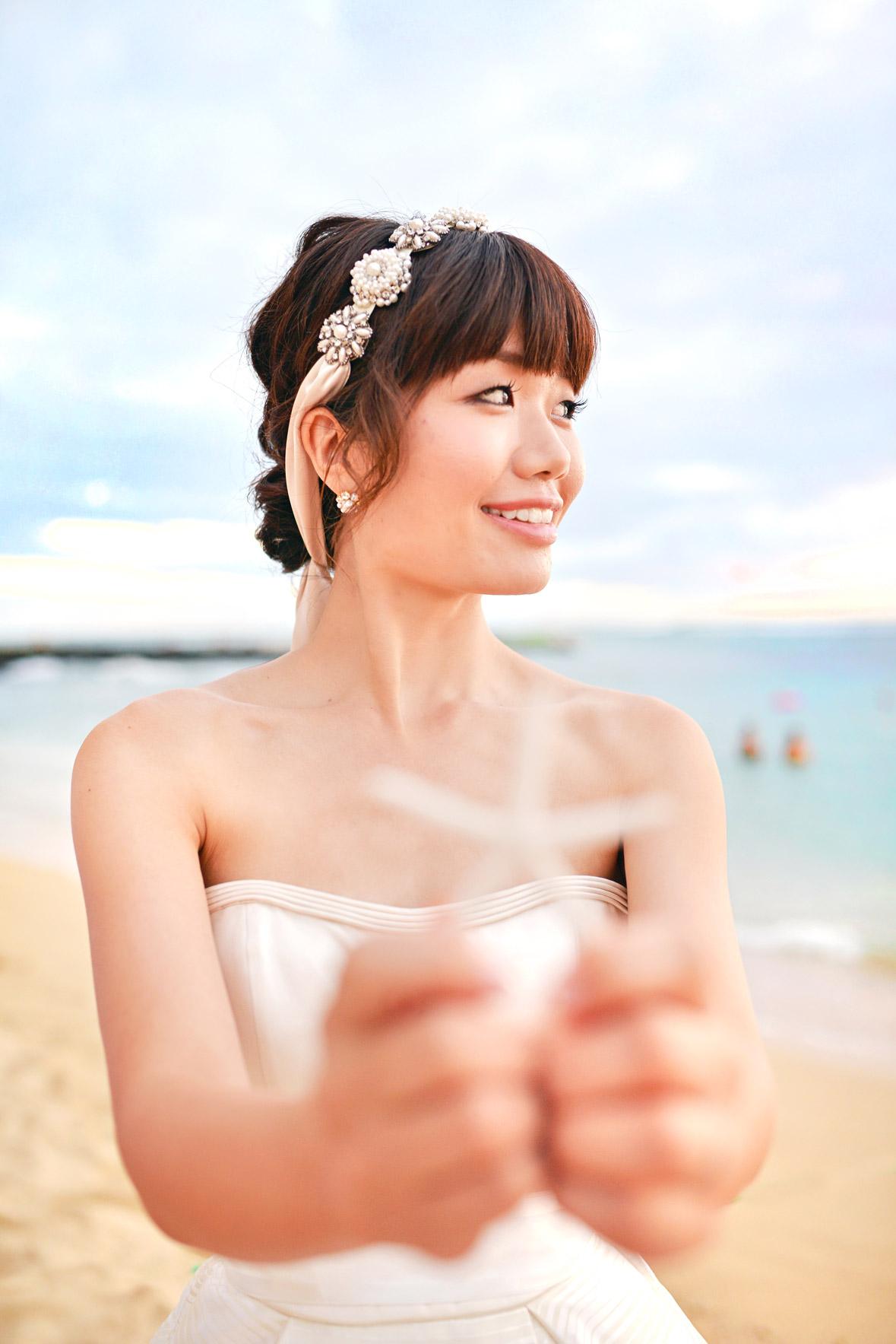 waikiki-beach-wedding-and-downtown-honolulu-hawaii-theater-stephen-ludwig-photography056.jpg