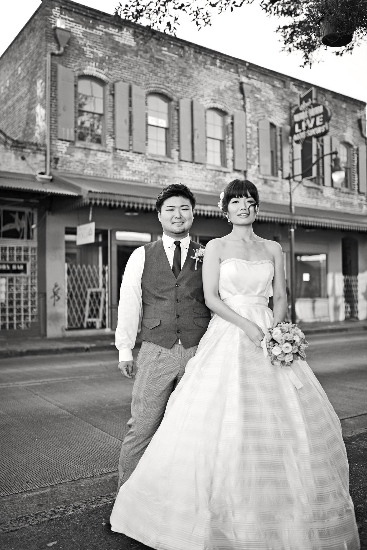 waikiki-beach-wedding-and-downtown-honolulu-hawaii-theater-stephen-ludwig-photography087.jpg