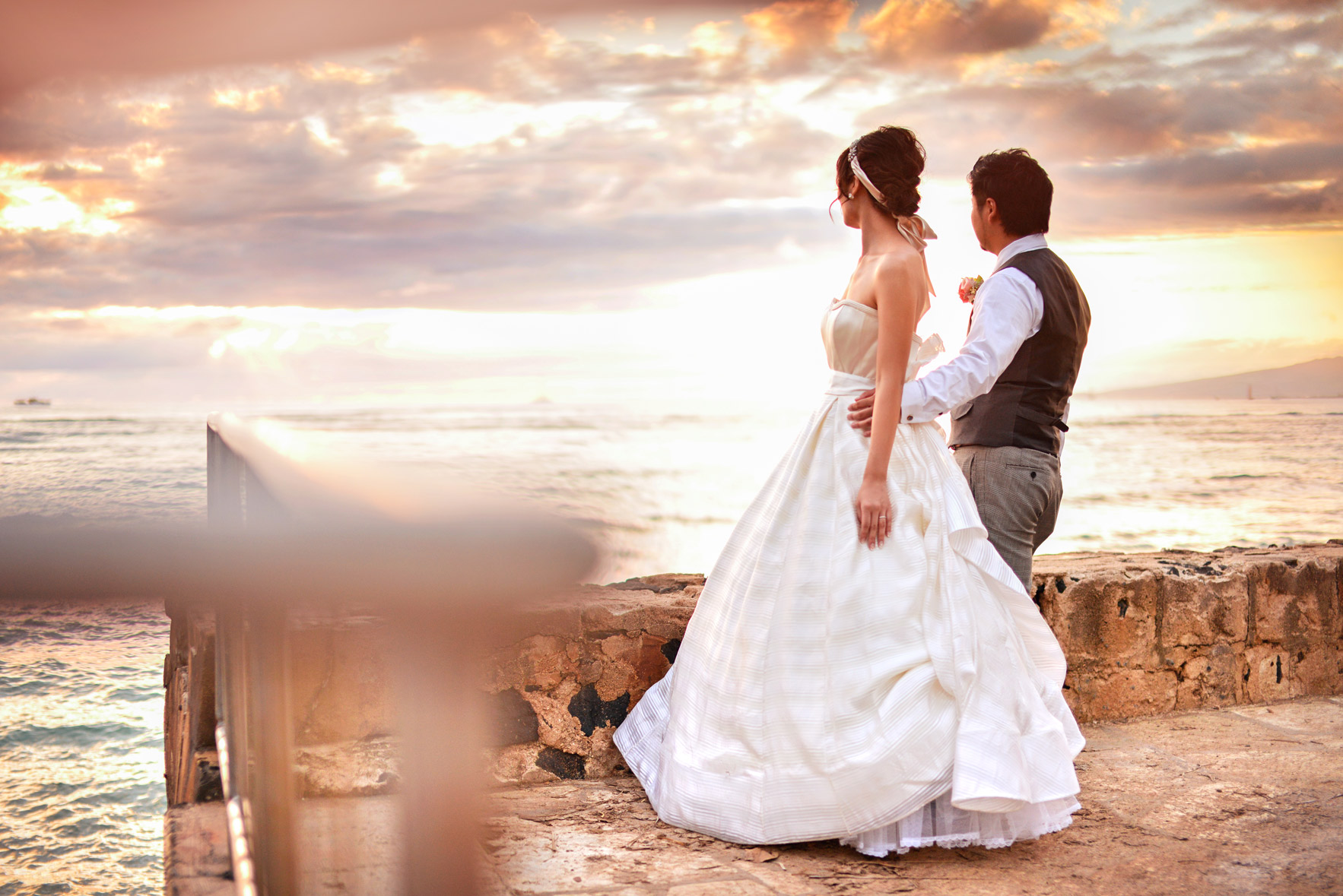 waikiki-beach-wedding-and-downtown-honolulu-hawaii-theater-stephen-ludwig-photography158.jpg