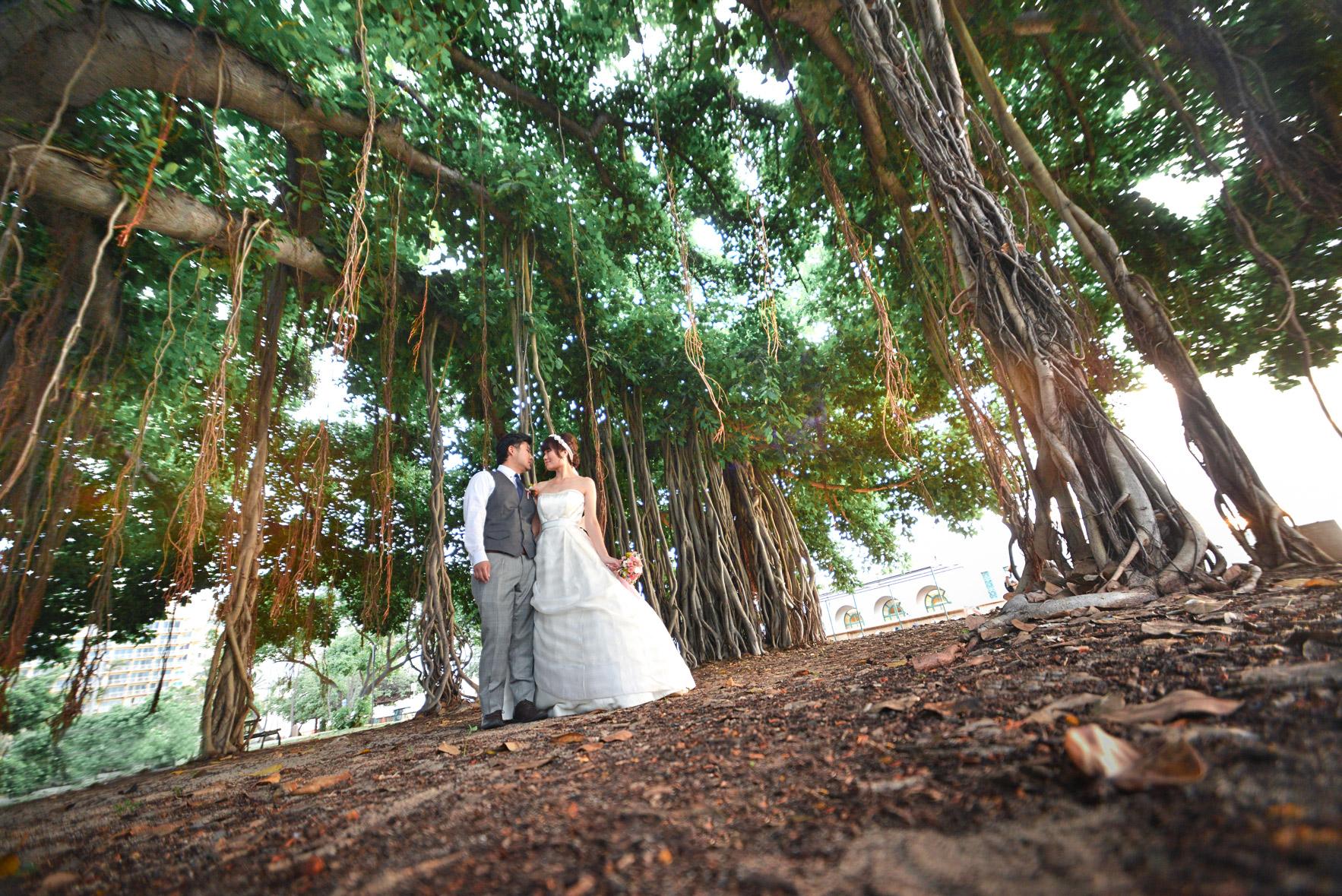 waikiki-beach-wedding-and-downtown-honolulu-hawaii-theater-stephen-ludwig-photography157.jpg