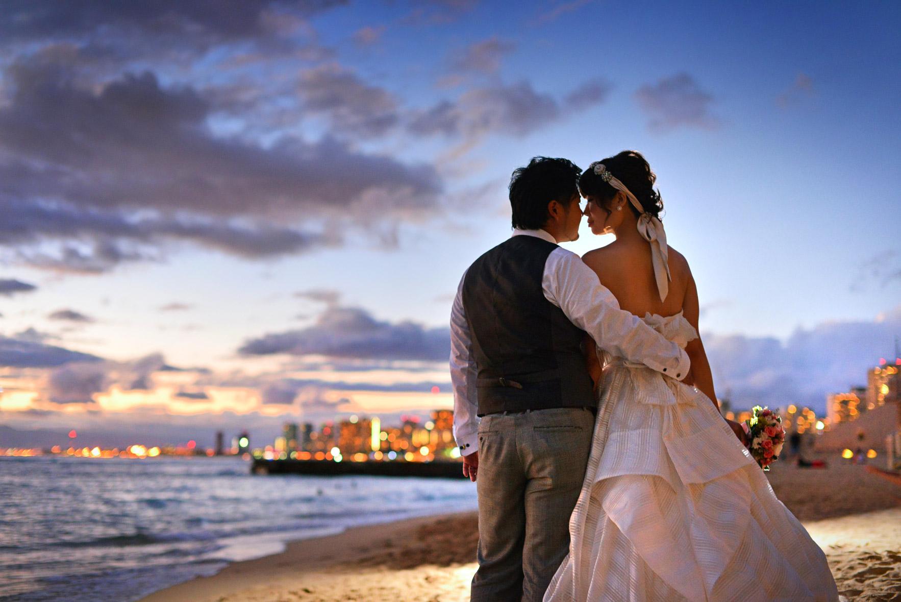 waikiki-beach-wedding-and-downtown-honolulu-hawaii-theater-stephen-ludwig-photography165.jpg