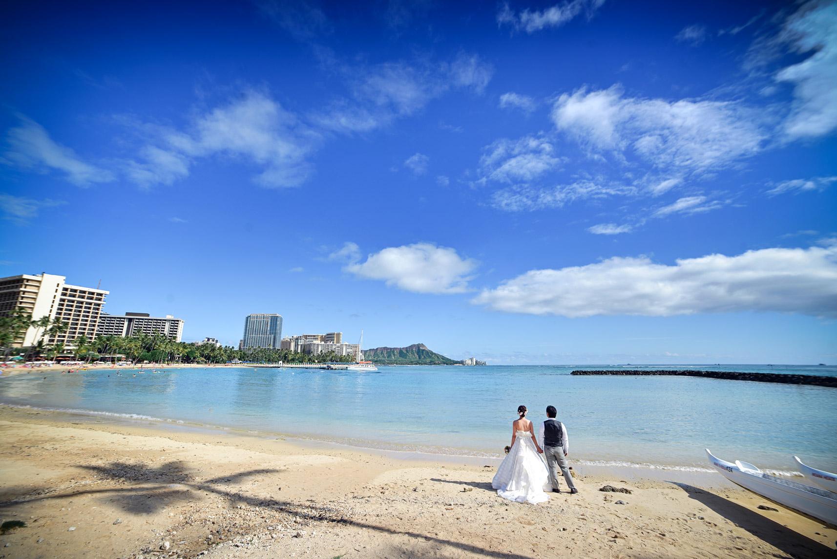 waikiki-beach-wedding-and-downtown-honolulu-hawaii-theater-stephen-ludwig-photography184.jpg
