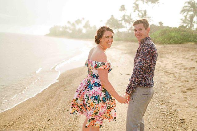 Rain or shine we keep going! • • • #waimanalowedding #colorfulweddingstyle #stephenludwigphotography #hawaiiwedding #oahuwedding #oahuphotography #hawaiiphotographer #hawaiiwedding #hawaiiweddingphotographer #hawaiiweddings #oahuphotographer