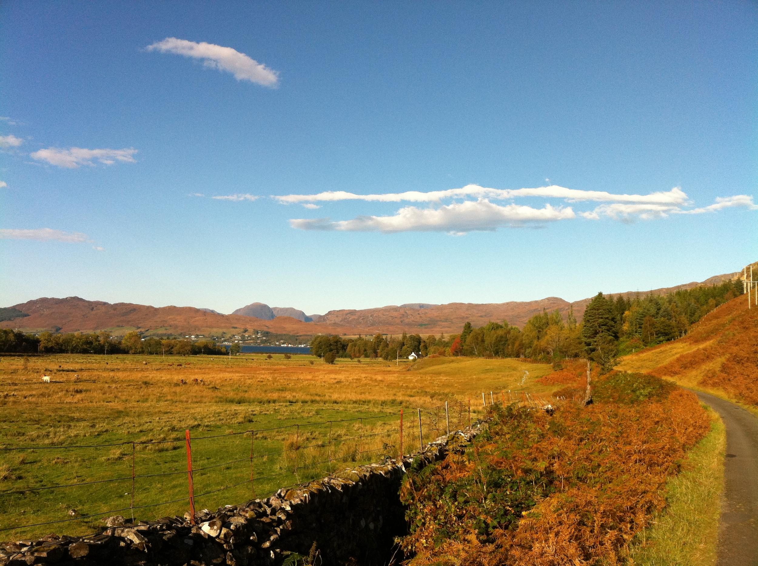 Bike - start of ride up to Loch Iasaich & Ben Dronaig Lodge.jpg