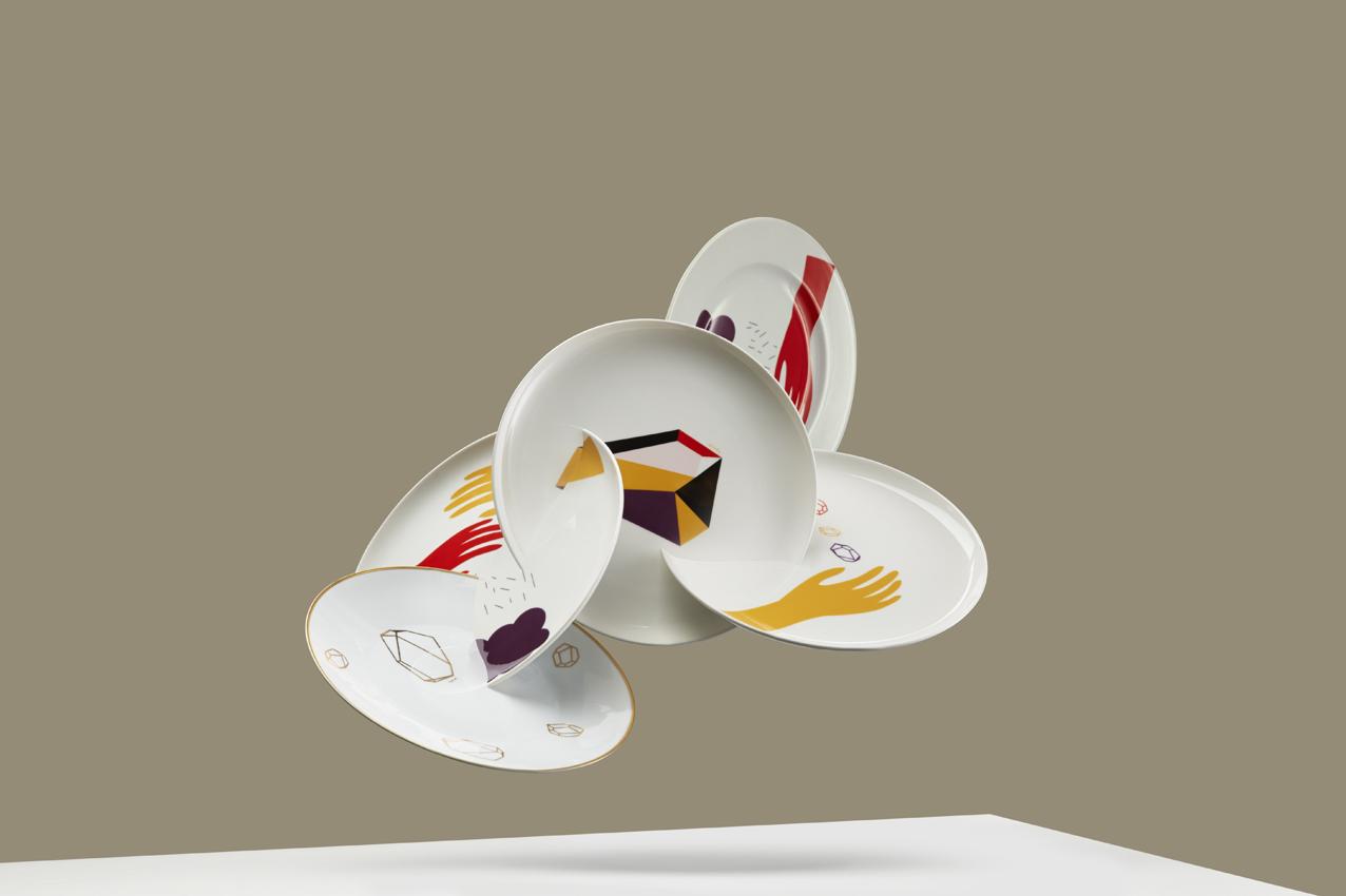 Second Life Of Plates  ( photo:  Jan Kriwol , set design:  Witalis )