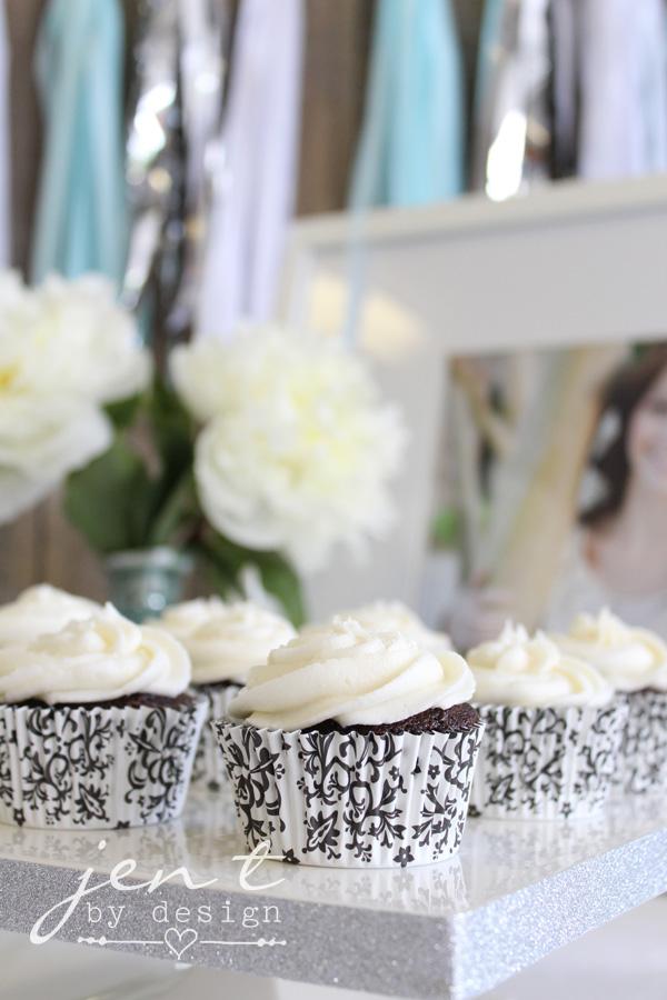 Graduation Party Decoration Ideas - Graduation Cupcake Display - JenTbyDesign.com