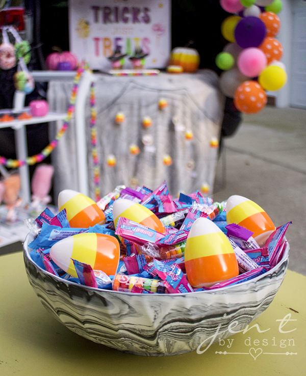Trunk or Treat Decorating Ideas - Halloween Candy.jpg