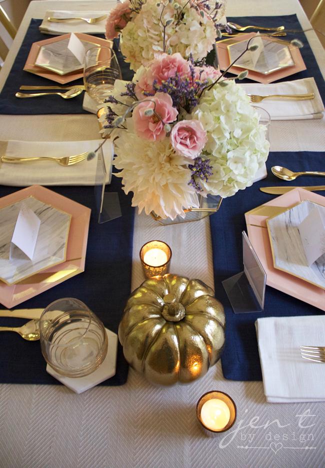 Pretty Thanksgiving Table Decor 4.jpg