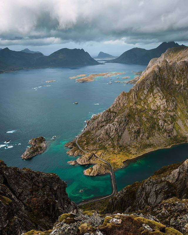 Another epic view from Festvagtind🇸🇯 Daaam!!! Norway you are the prettiest in Scandinavia😍 . Xt2 + XF18-55 . #lofoten #mountains #travelphotography #wanderlust #hiking #road #roadtrip #landscape_lovers #photographer #discoverearth #mountain #nature  #landscape #norway #unlimitedscandinavia #visitnorway #raw_nordic #nordicscollective #greatnorthcollective