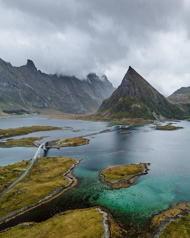 Probably my favorite photo from thi trip 😍 The mountains🗻 the water 🌊♥️🇸🇯 . Mavic Air . #wanderlust #dji #aerialview #dronestagram #droneoftheday #birdseye #drone #dronelife #drones #aerialphotography #dronephotographhy #fromwhereidrone #mountain #nature #landscapephotography #landscape #norway #ariel #lofoten #mountains #nordicscollective #greatnorthcollective