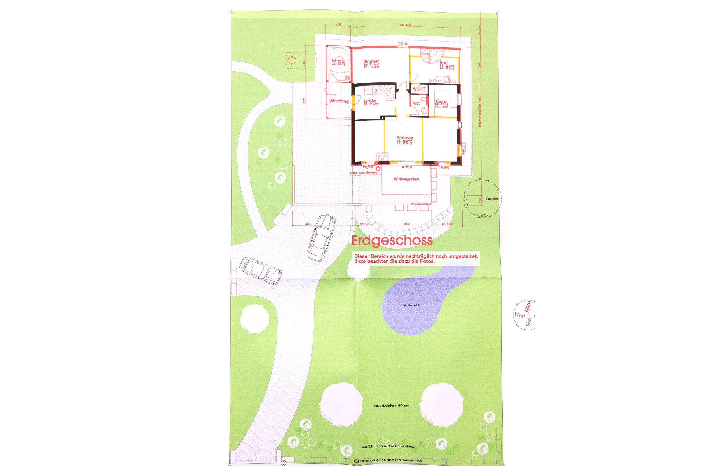 Dieser Plan zeigt das Grundstück und das Erdgeschoss. Der Gartenbereich wurde später noch umgestaltet. Bitte beachten Sie dazu die Fotos. Für eine vergrösserte Ansicht einfach auf den Plan klicken.