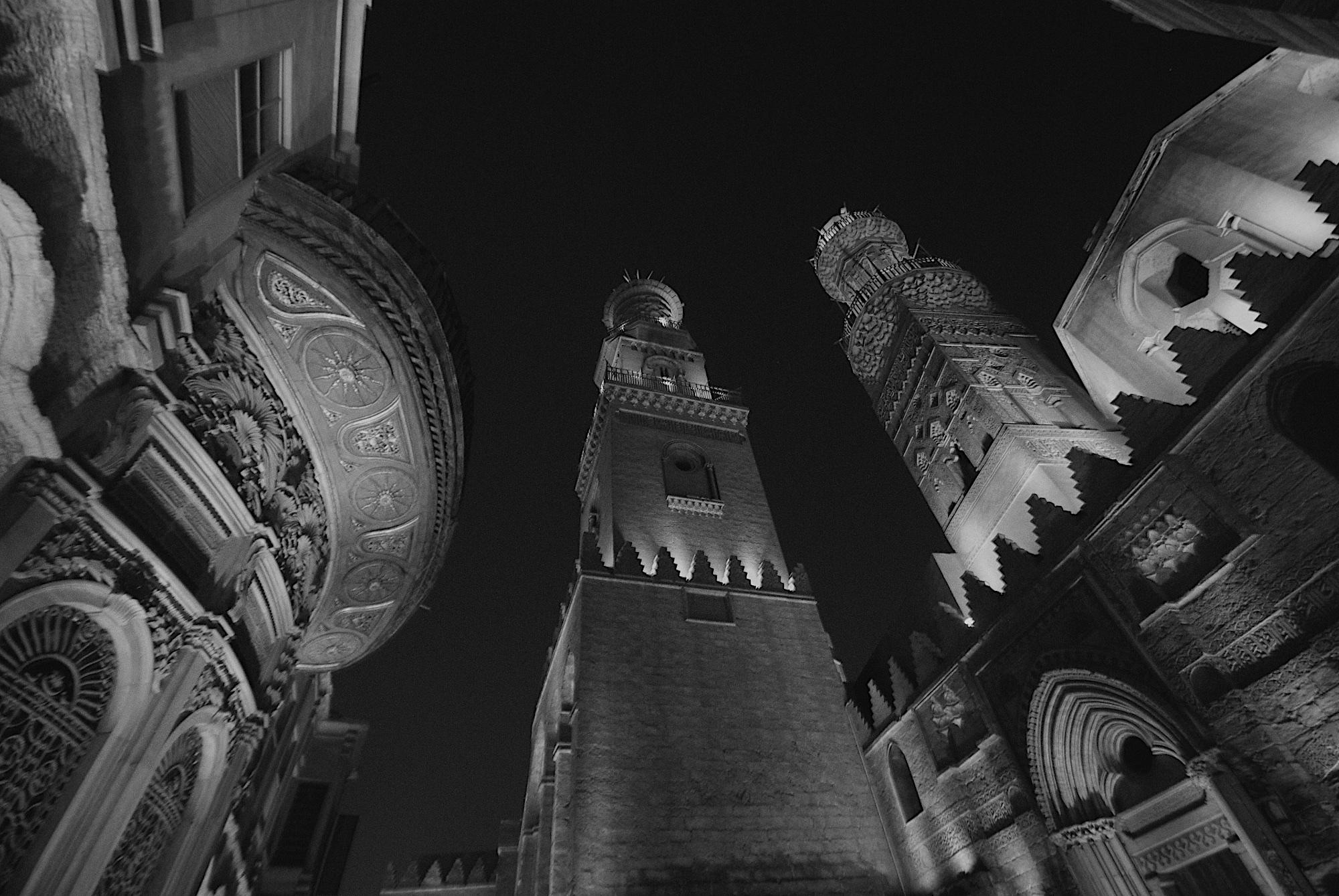 denis-bosnic-cairo-egypt-bw-photography-11-islamic-mosque-complex-qalawun-madrasa-minarets.jpg