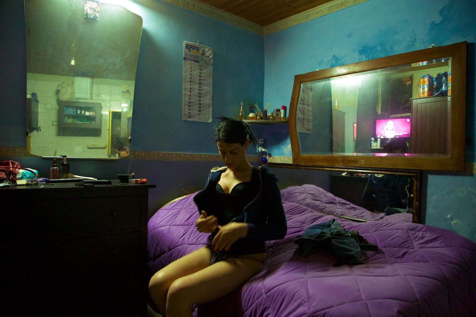 trans-agata-catania-san-berillo-sicilia-sicily-denis-bosnic-transgender-trans-photography-.jpg
