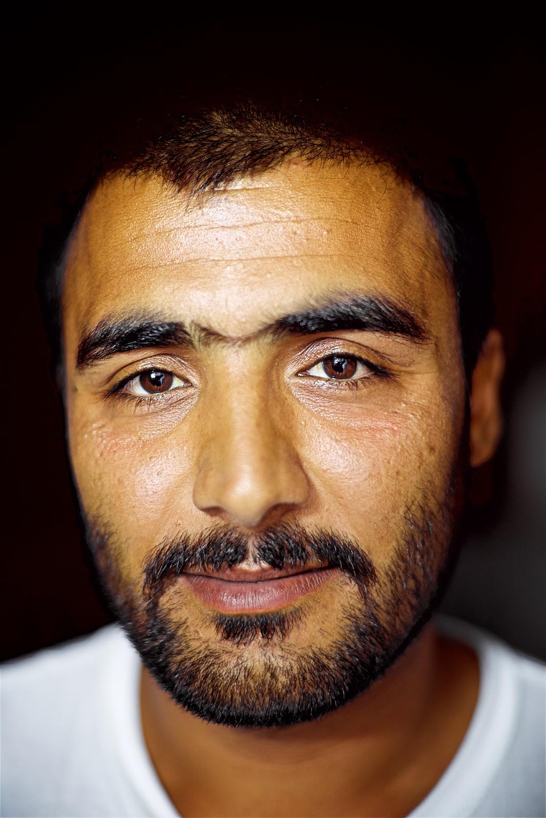 permanently-temporary-refugees-italy-rifugiati-italia-denis-bosnic-photography-portraits-1.jpg