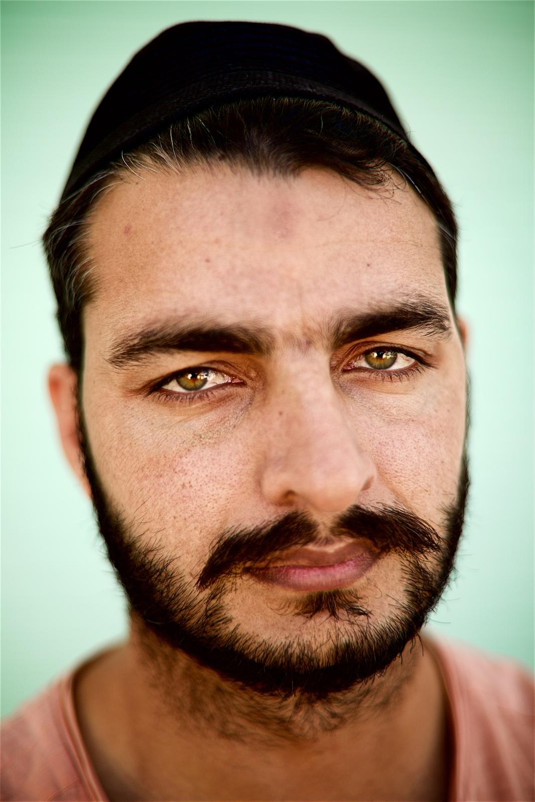 permanently-temporary-refugees-italy-rifugiati-italia-denis-bosnic-photography-portraits-4 (1).jpg
