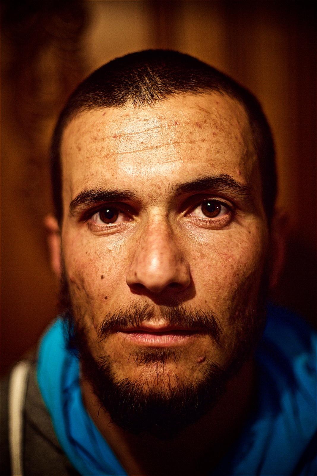 permanently-temporary-refugees-italy-rifugiati-italia-denis-bosnic-photography-portraits-12 (1).jpg