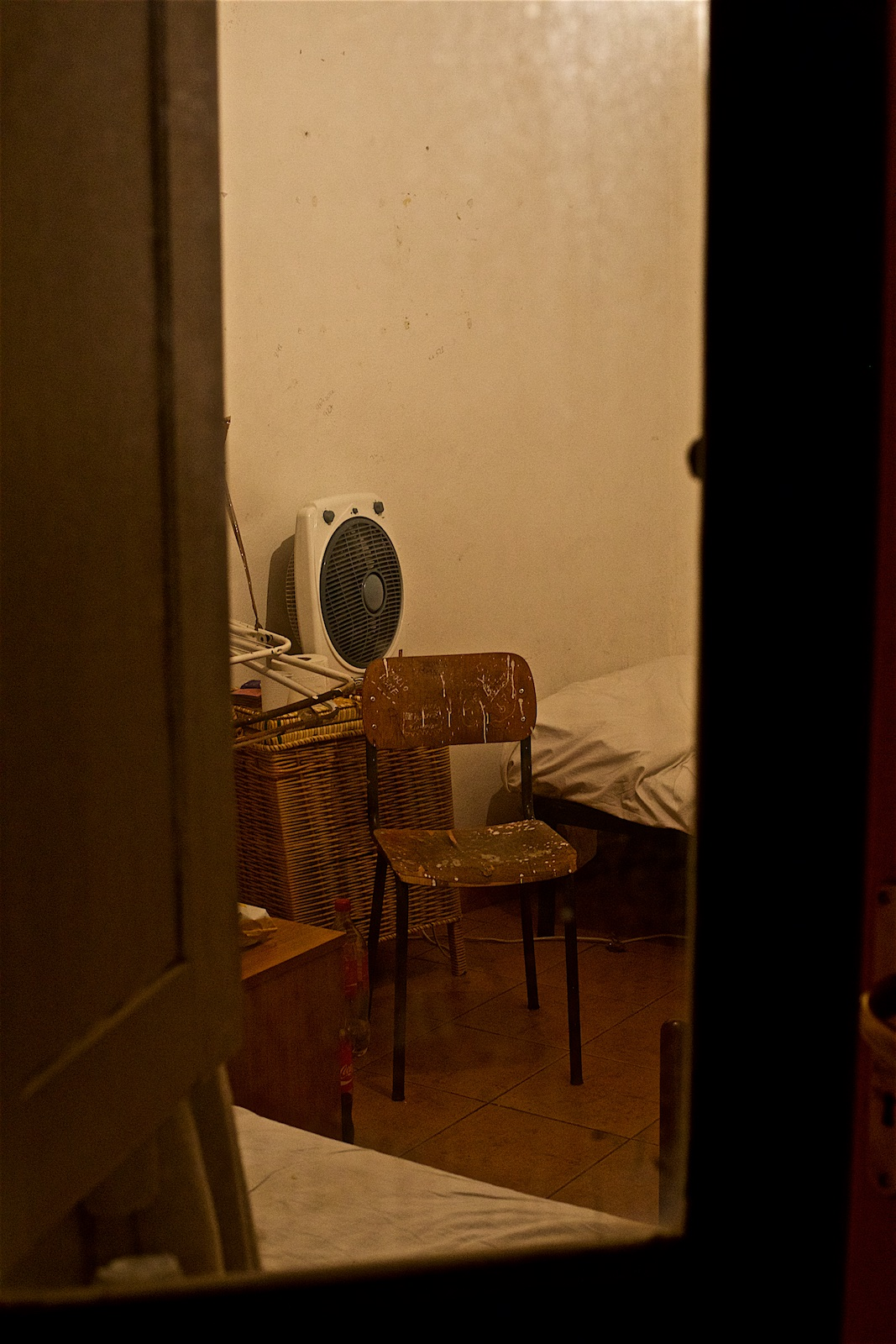 permanently-temporary-refugees-italy-rifugiati-italia-denis-bosnic-photography-portraits-17.jpg