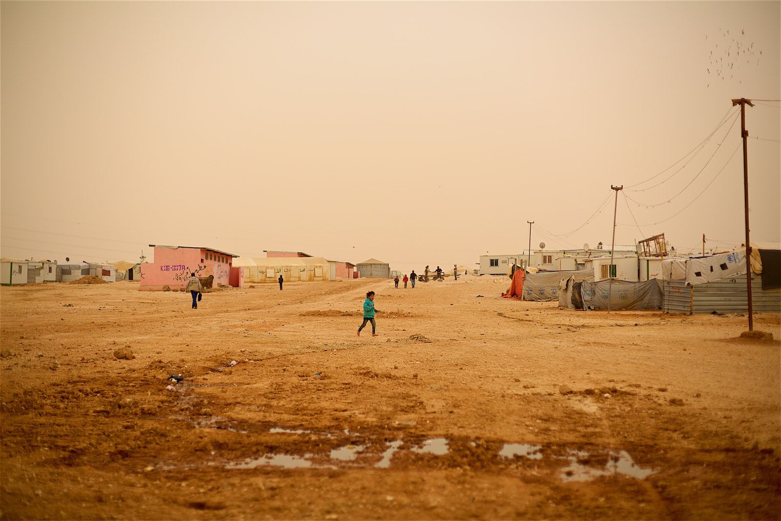 Zaatari is one of the biggest camps in the world with a fluctuating population between 60 000 and 120 000 inhabitants.(photo: Denis Bosnic)