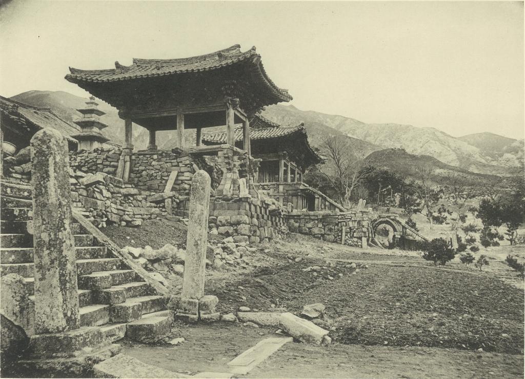 Bulguksa Temple in 1914. (via  Wiki ).