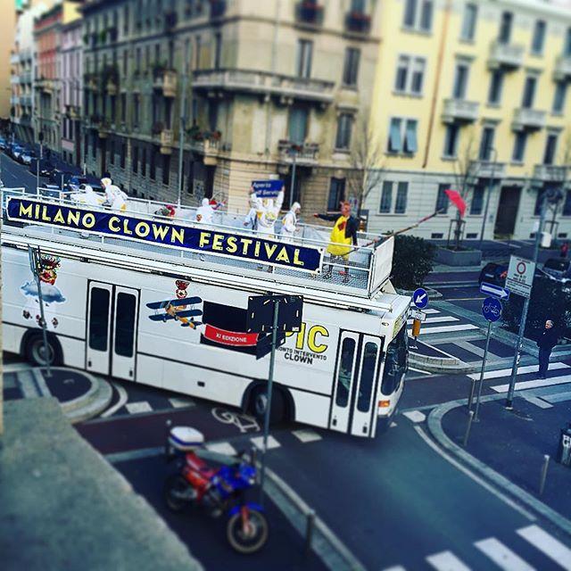 PIC-bus_Isola_ph Giorgio Pierguidi_da Istagram.jpg