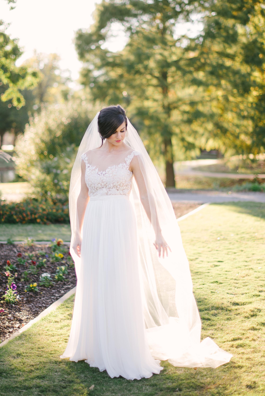 Reem-Acra-Bride-Garden-Bridal-Inspiration-24.jpg