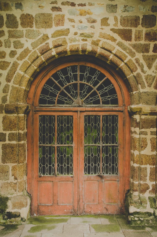 L'Abbaye Blanche-Church Chairs-2013.jpg