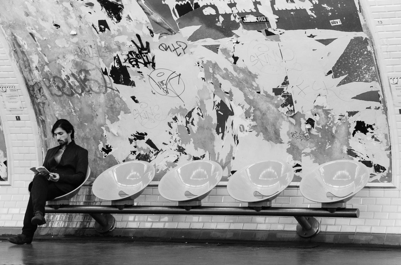 Man in Metro Paris-2013.jpg