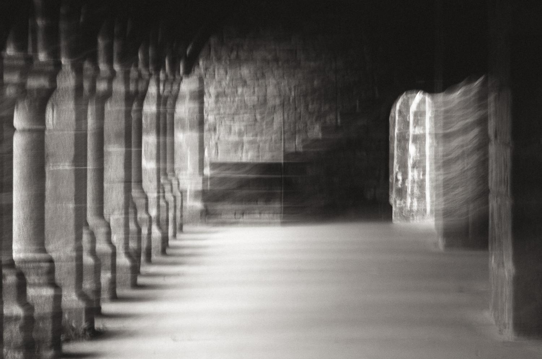 L'Abbaye Blanche-Cloister Echos-1-2013.jpg