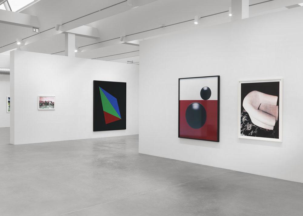 Shirana Shahbazi,  First Things First , Exhibition View Maschinenhaus (Power House) M2, Photo: Jens Ziehe, 2017