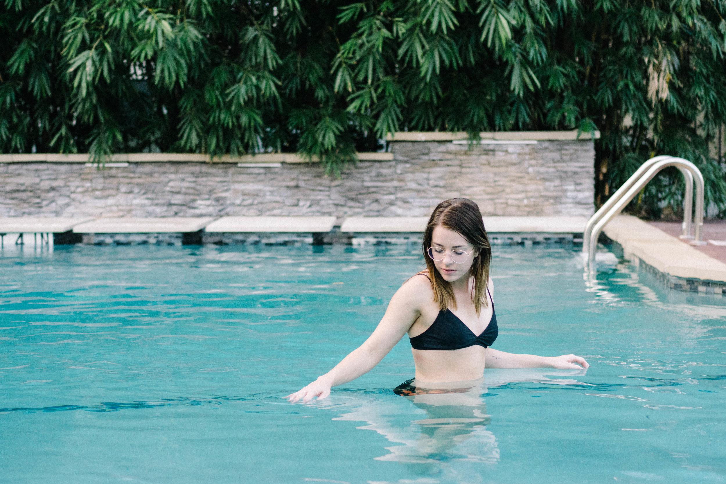 amber_pool-33.jpg