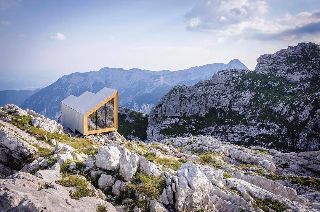 Alpine shelter on Mount Skuta. (Courtesy of OFIS)