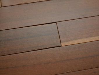 wood-floor-with-gaps.jpg