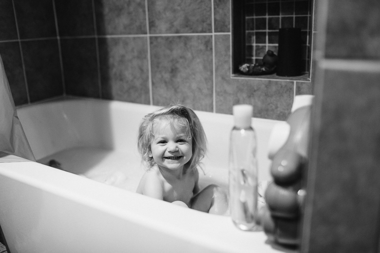 Lifestyle photography girl in bathtub
