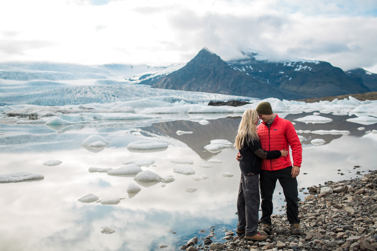 Engagement Photography in Iceland at the Fjallsárlón glacier lagoon