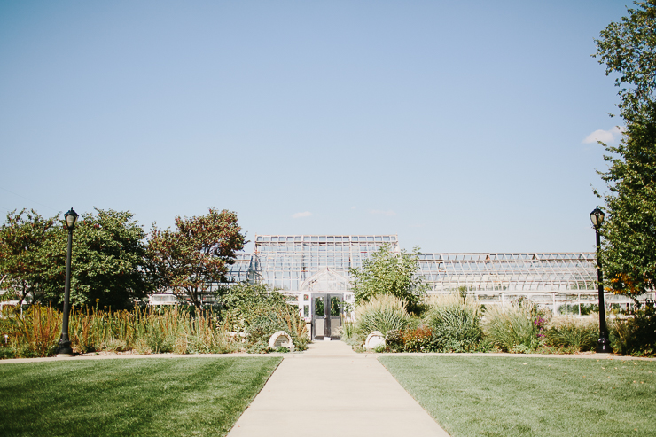 Garden where the bride and groom get married in Kansas City