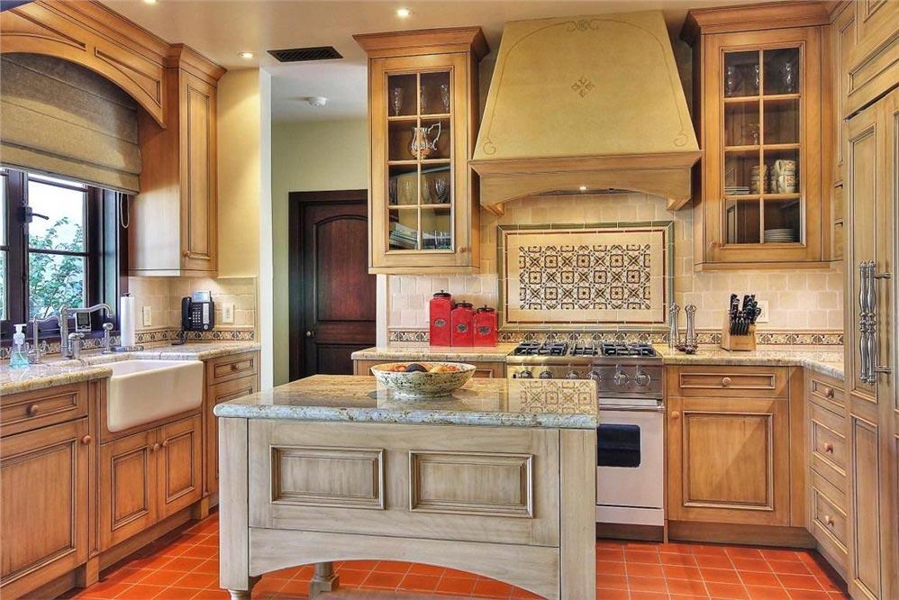 LMC-2118-kitchen.jpg