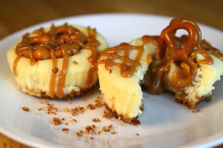 caramel-cheesecake-pretzel-crust-final